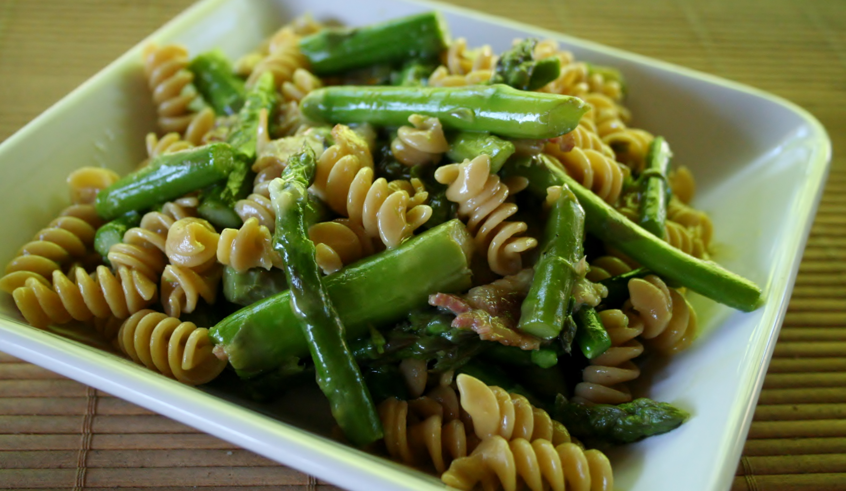 Pasta with Asparagus, Bacon, and Egg