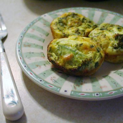 Broccoli & Cheddar Crustless Mini Quiches