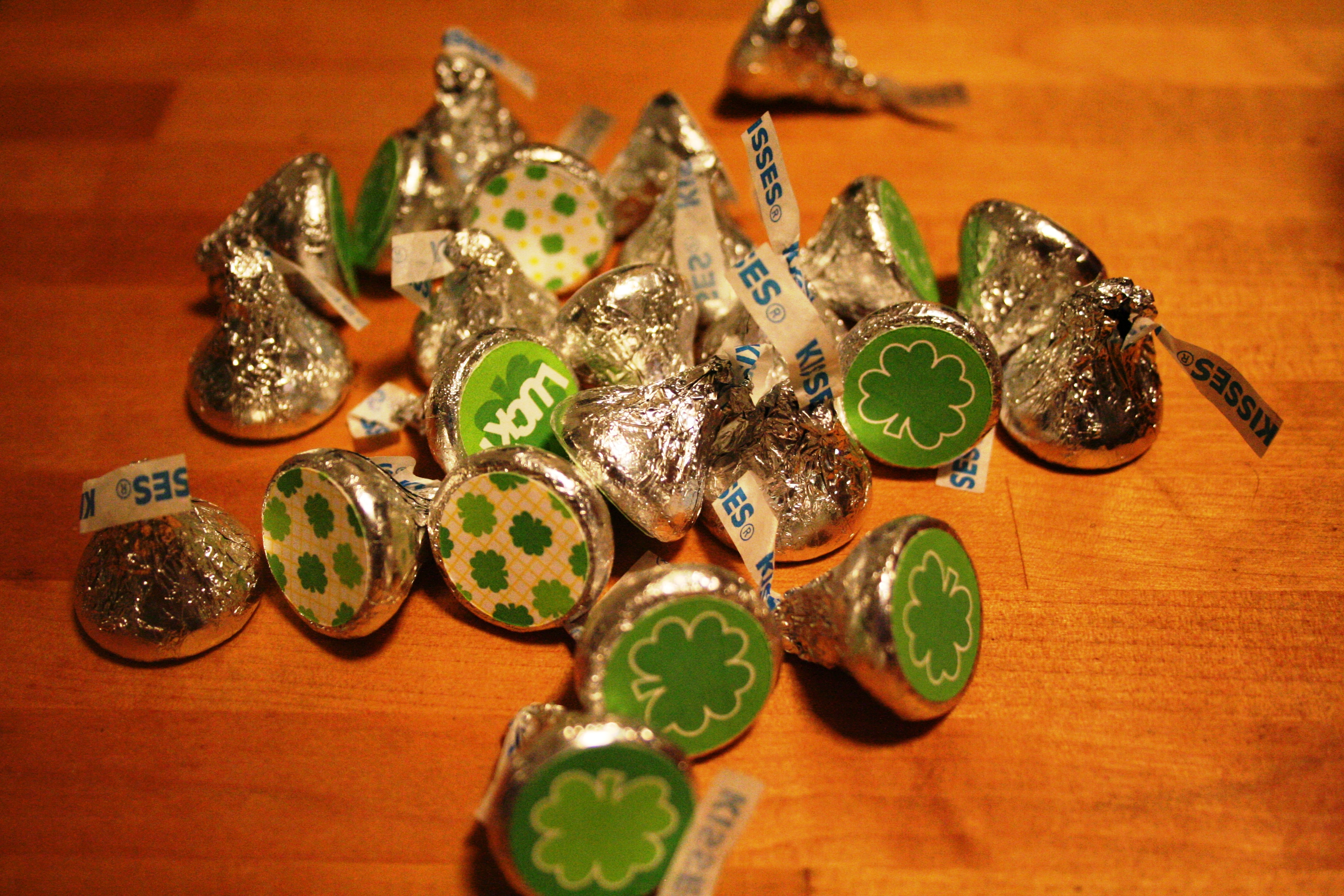 Quick and Easy St Patrick's Day Kisses