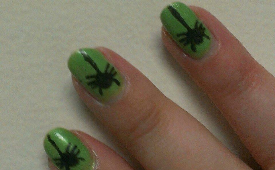 DIY Halloween Nail Art