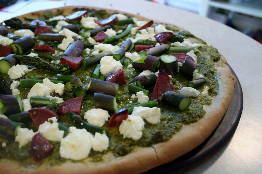 Spring Pizza with Goat Cheese & Asparagus #SundaySupper
