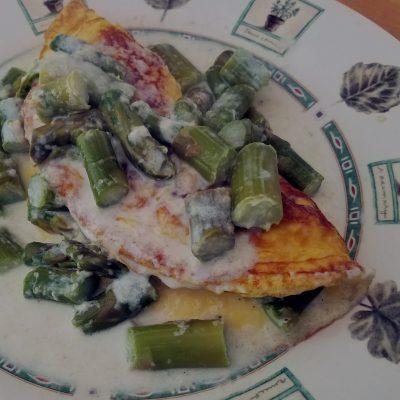 Creamed Asparagus Omelet #BrunchWeek